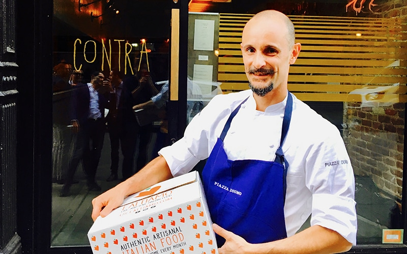 Enrico Crippa with the Eattiamo Box in front of his restaurant