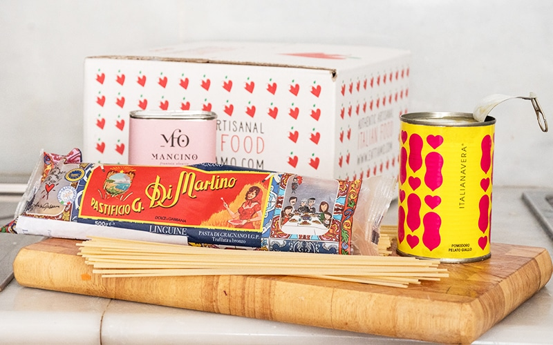 Eattiamo Dolce Vita Box with Spaghetti and Tomato Sauce