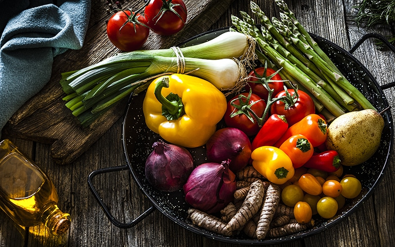 NEW YEAR'S RESOLUTIONS: TIPS & TRICKS TO EAT BETTER WITH THE MEDITERRANEAN DIET